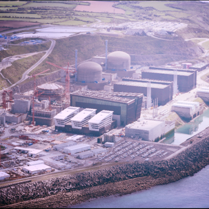 FT reportsthatNuclear experts say EDF's new generation reactor safe to start