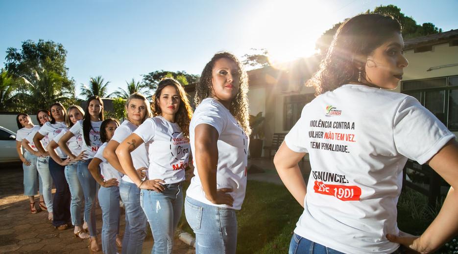 Campanha de Conscientização da Violência Contra Mulher Alimentos Loanda