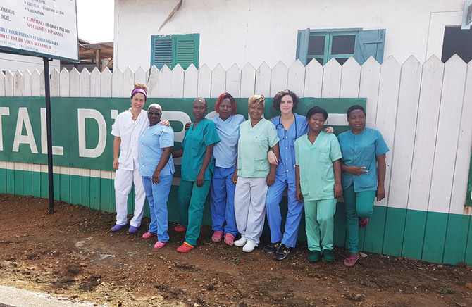 Nuevas voluntarias en el Hospital de Ebomé