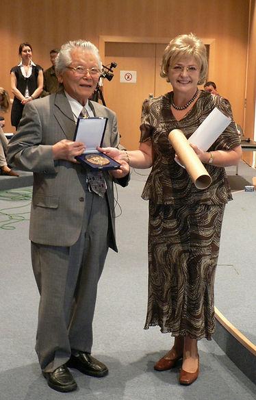 Yamamoto prof. megkapta a Láner Emlékérm