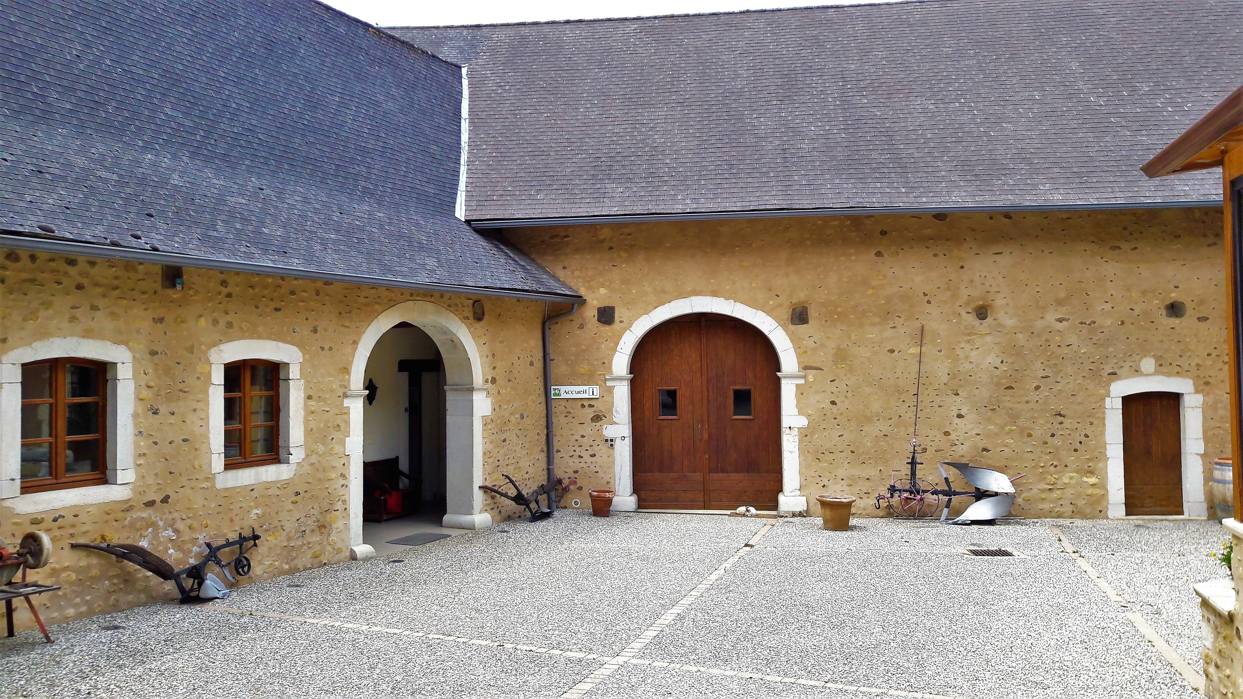 Cour intérieure Béarnaise