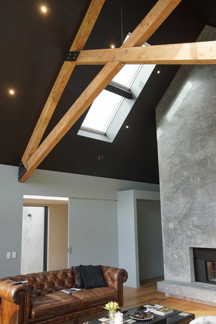 High ceilings with lighting in the livin