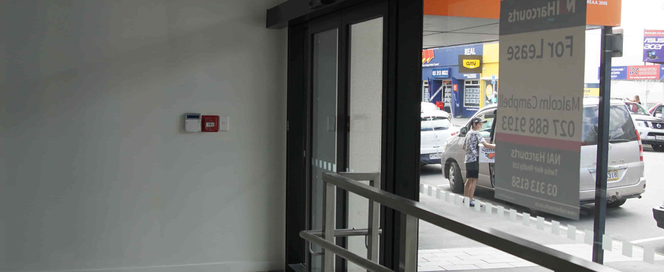 Entry to an untenanted space at the Rang