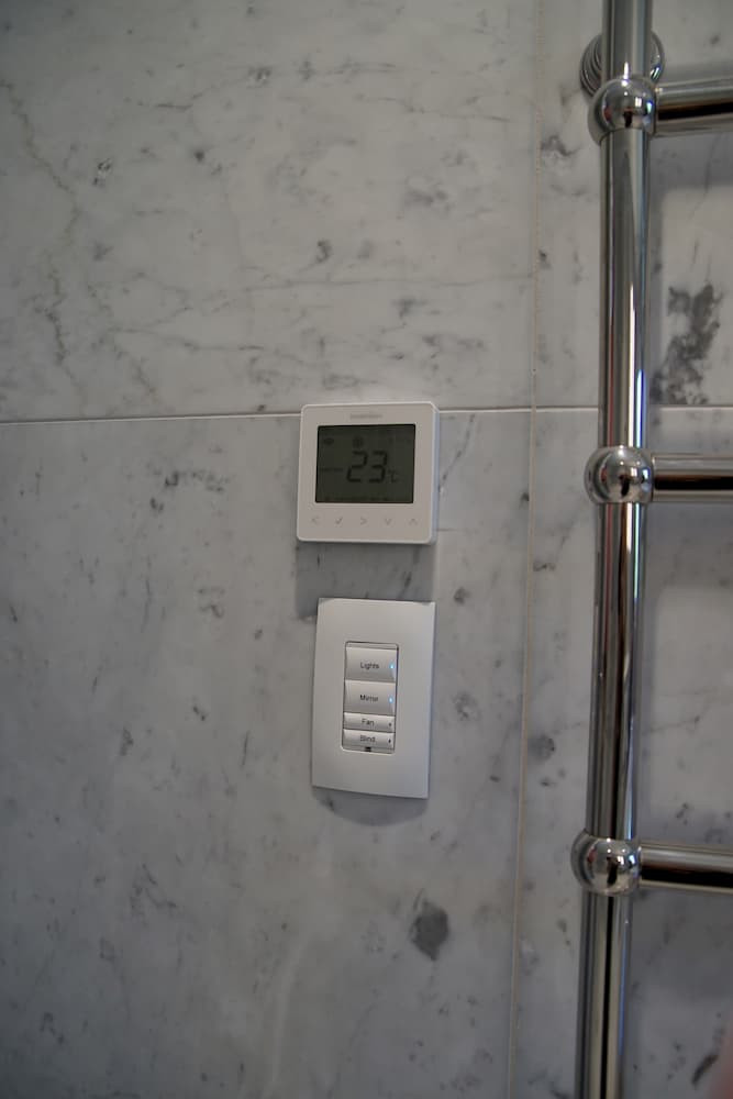 Control4 keypad and thermostat