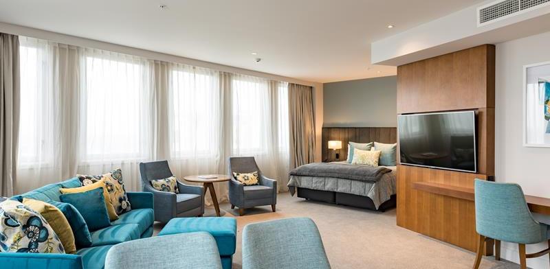 The Distinction Hotel room