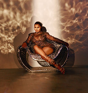 Check-Out-Lil-Kim-Collection-With-Pretty