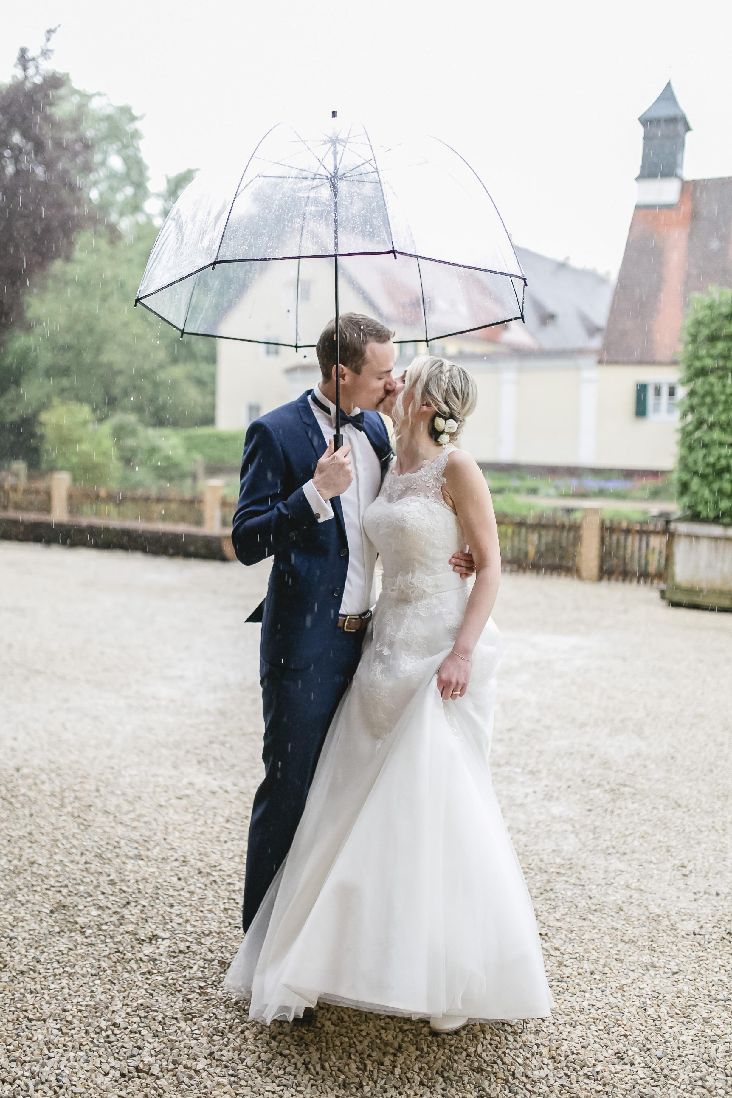 Hochzeit-Paarshooting_Gut Mergenthau_Regen