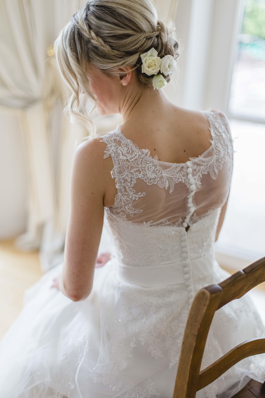 Hochzeit-Brautportrait_Stuhl