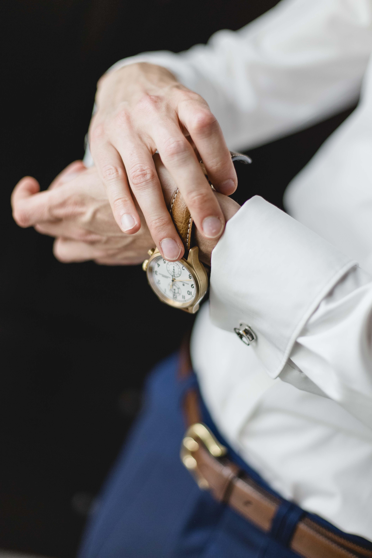 Hochzeit-Getting_Ready_Bräutigam_Uhr