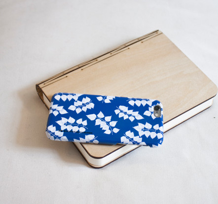 BLUE LEAF IPHONE COVER