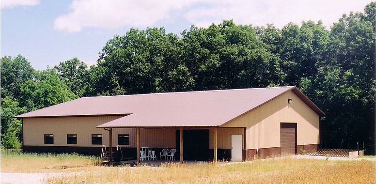 large ag bldg with open lean-to