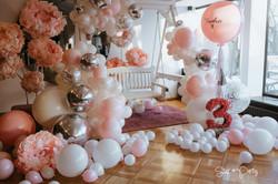 Flower and Balloon Photo Area