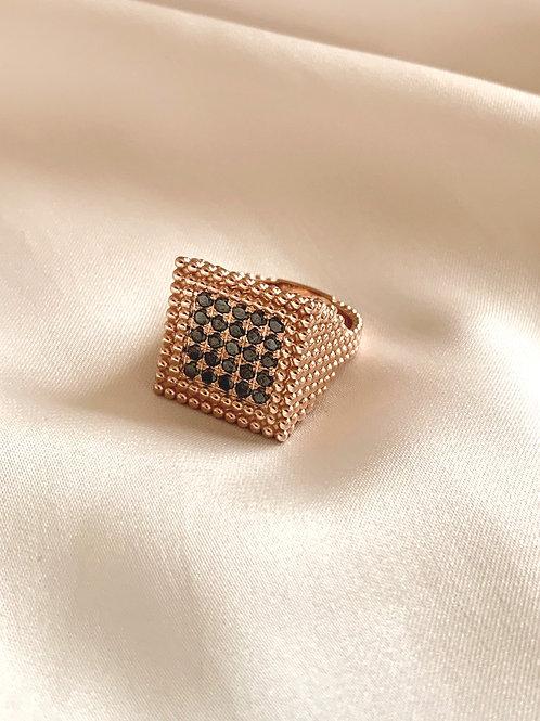 טבעת לולה בזהב משובצת יהלומים שחורים