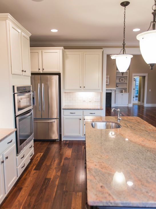 Granite Kitchen Island & Countertop