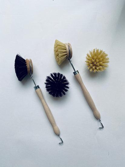 Щетка из бука c ручкой для мытья посуды