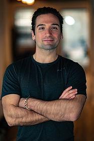 Maurizio Llin -  Midtown Knee Therapist