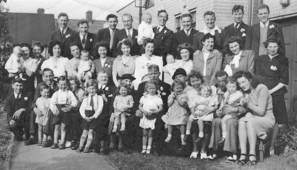 'Young Marrieds' meeting, 1948