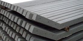 Postes de hormigón y postes de madera para grandes obras y proyectos particulares.