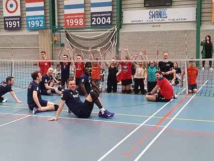 Zitvolleyballers ZVH laten goed spel zien in Sneek