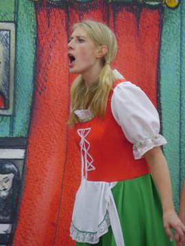 An unhappy Gretel