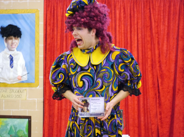 Pantomime Dame Oldilocks