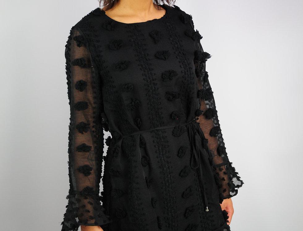 Kleid Noppen