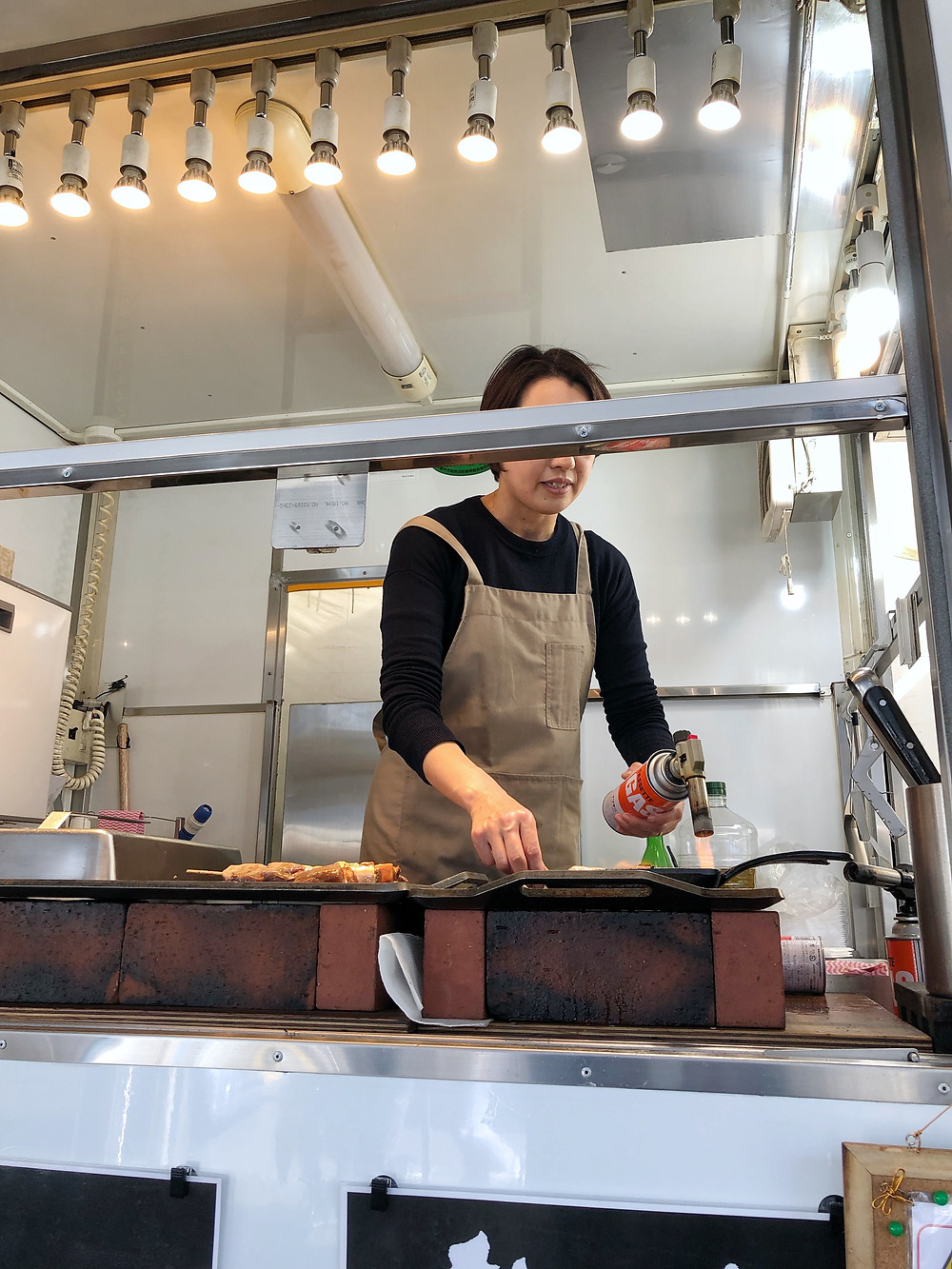 Tsukiji streetfood tuna Cookingwiththehamster