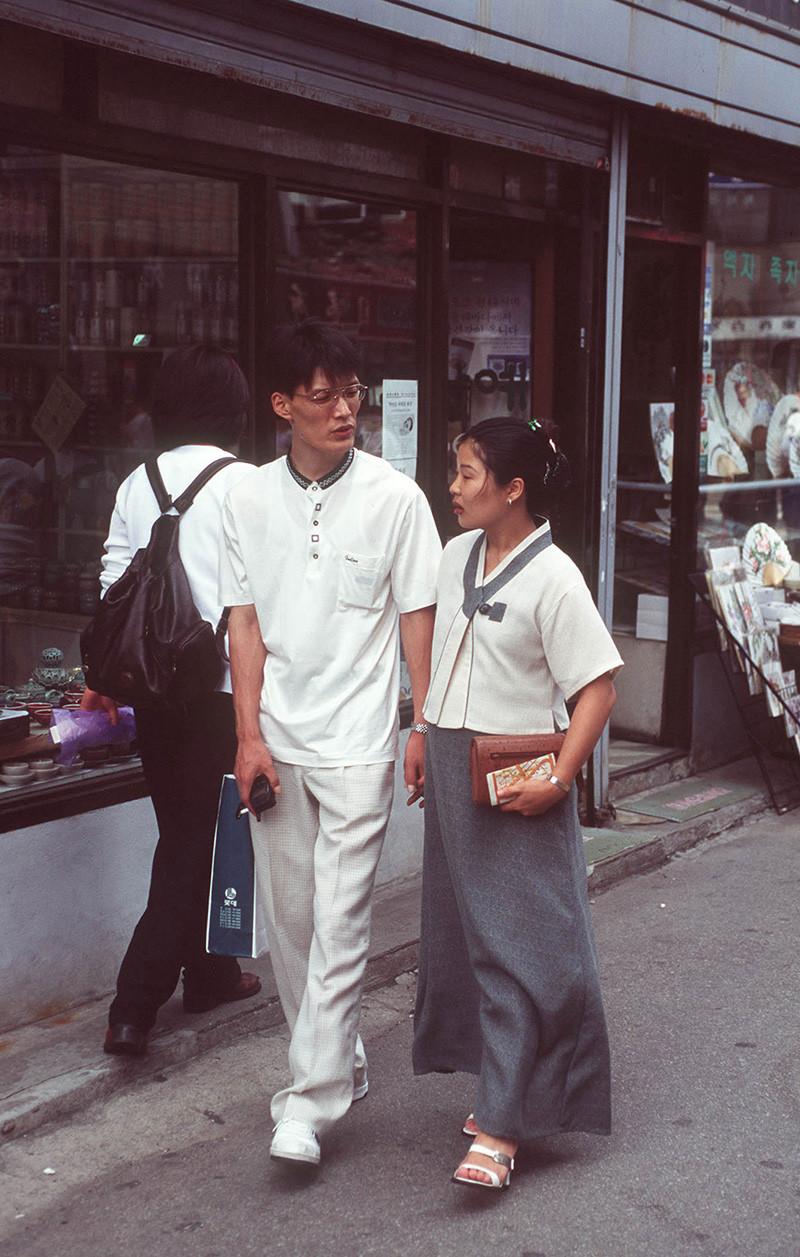 South Korea fashion - 90s cookingwiththehamster