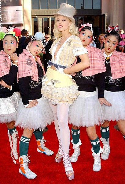 Gwen Stefani - Harakuju girls cookingwiththehamster