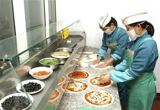 Pizzeria in Pyongyang cookingwiththehamster