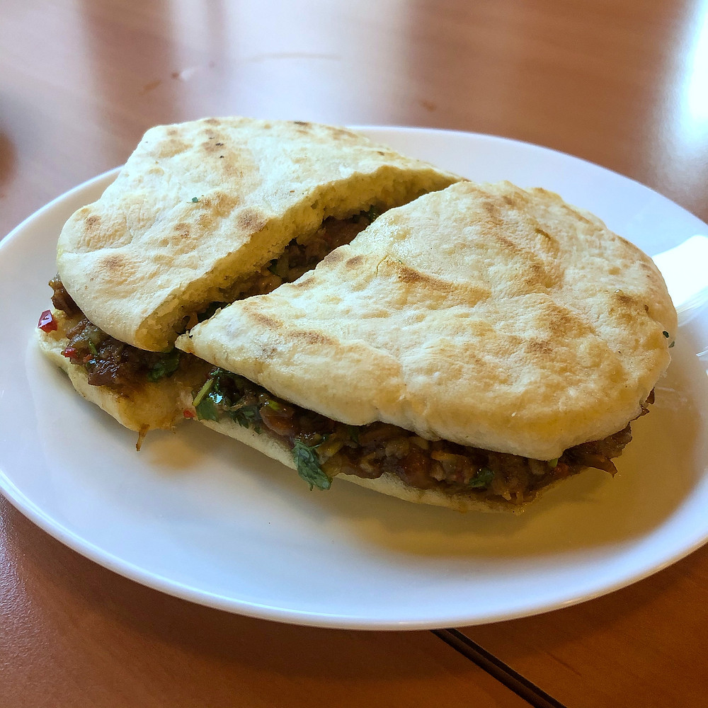 Flat bread with pork meat and coriander ravioli di lu pechino Cookingwiththehamster