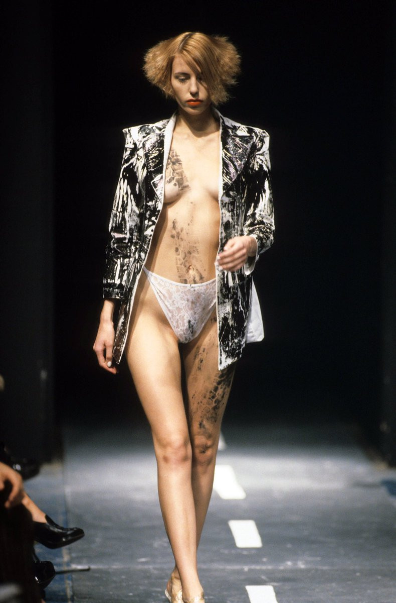 Alexander McQueen SS 1994 cookingwiththehamster