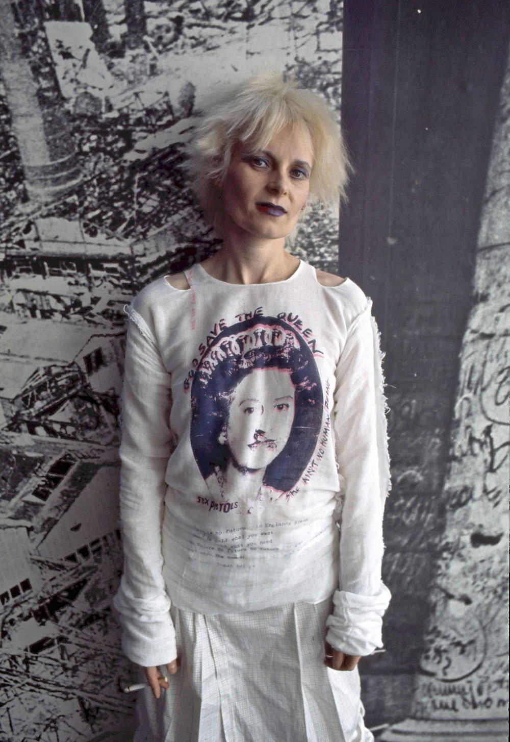 God Save the Queen t-shirt  cookingwiththehamster