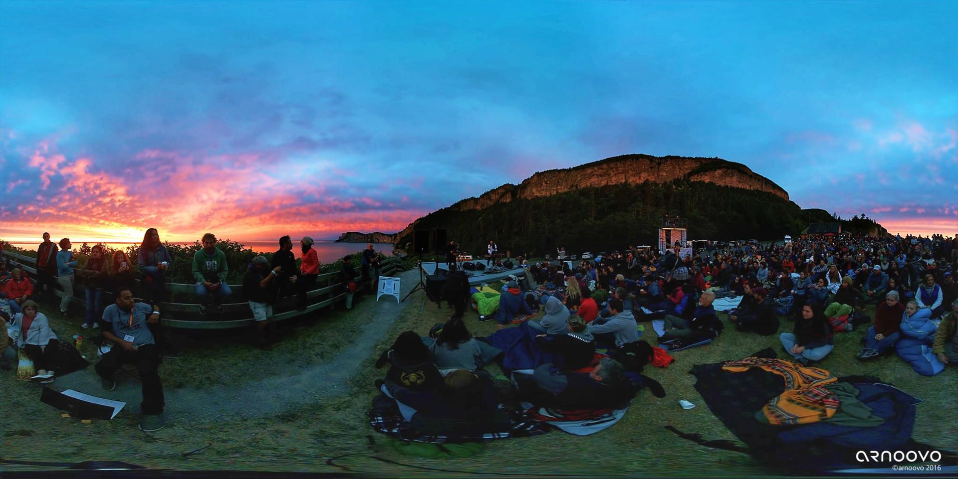 MILK & BONE   PIÈCE : « COCONUT WATER »   Festival de Musique du Bout du Monde 2016, Cap-Bon-Ami, Parc Forillon, Gaspésie (QC)