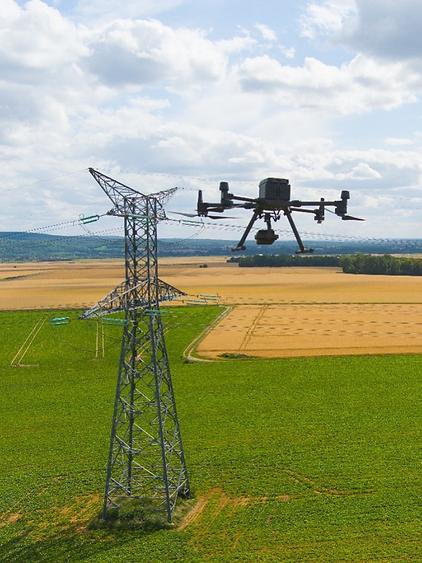 Drone inspection Technique de lignes électriques, batiments et Ouvrages