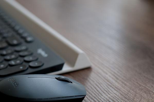 logitech-wireless-mouse.jpg