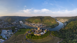 2020-07 Cochem Mosel Panorama.png