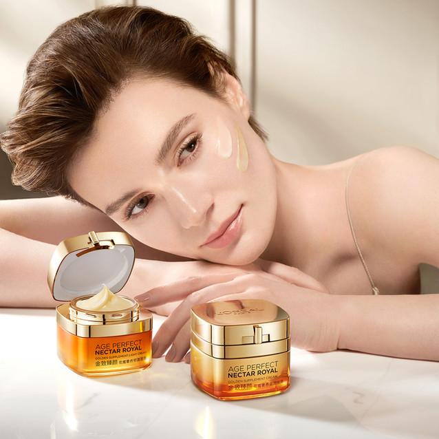 L'Oréal Paris/AGE PERFECT LIGHT CREAM