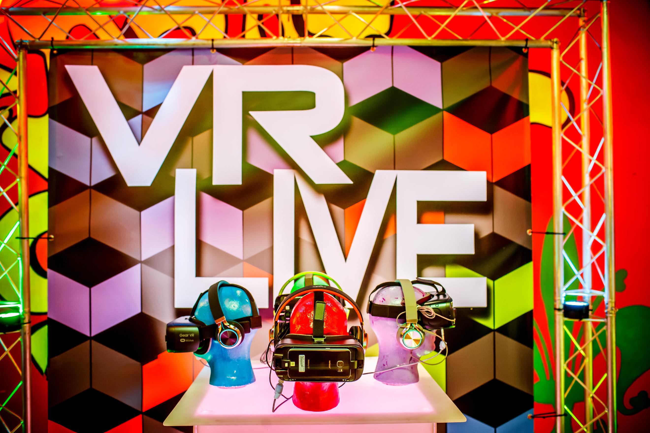 VR Live