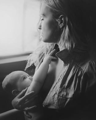 imetyskuva, perhekuvaus, vauvakuvaus