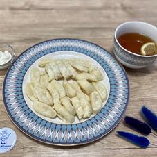 Ліниві вареники зі сметаною та чай з лимоном