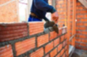 Возведение-стен-кирпичного-дома.jpg