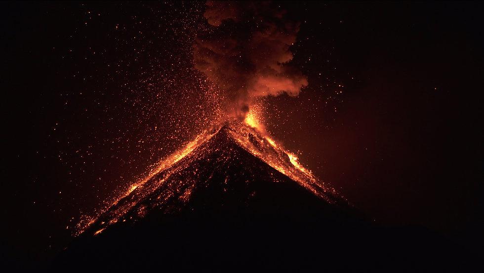 Volcano_erupt.jpg