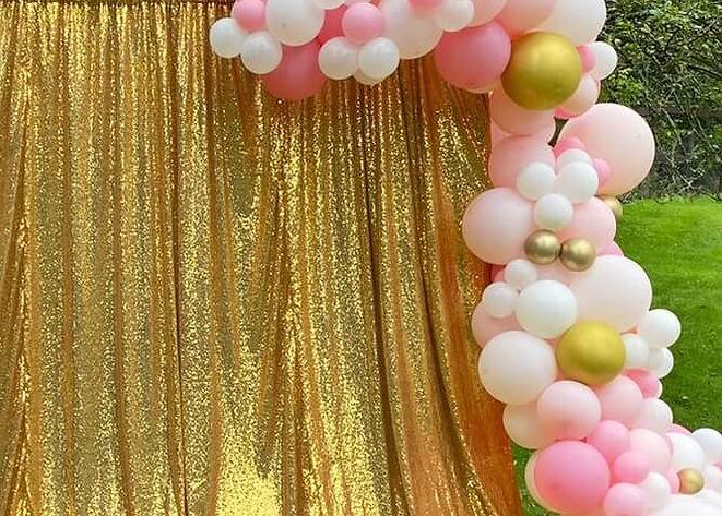 backdrop&balloons -COMPR.jpg
