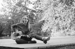 Jasmine Hildebrandt guitar outside