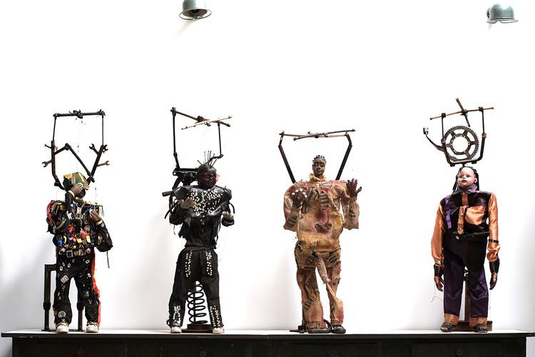 Widjo Wyombo - Marionnettes
