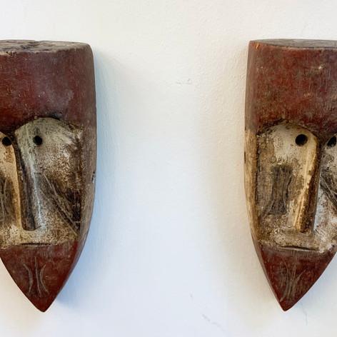 deux masques bois.jpg
