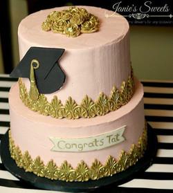 Ok so I've been kinda MIA for a bit hope this grad cake makes up for it 😘😘 #cakeideas #girlcake #c