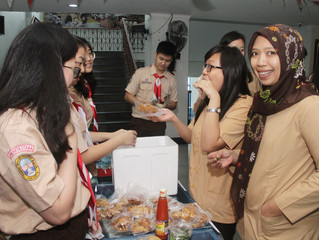 FE-S Held a Cafetaria Programme