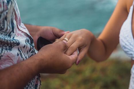 pedido de casamento na praia, pedido de casamento surpresa, ensaio com pedido de casamento, praia de quatro ilhas, ensaio na praia de quatro ilhas, cook mella